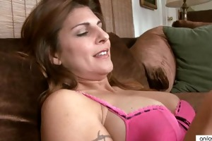 breasty aged explores her body
