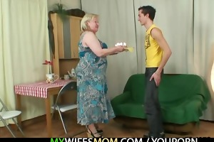 wife acquires enraged when finds him cheating