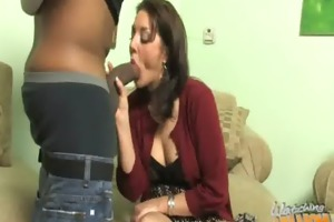 mommy shows us how to handle a bbc 22