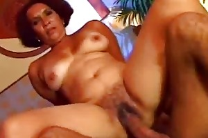 excited ethnic milf prefers raw twat sex