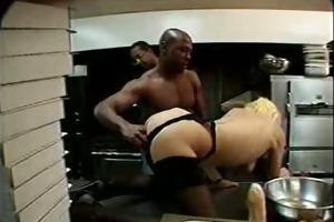 retro ir anal in the kitchen