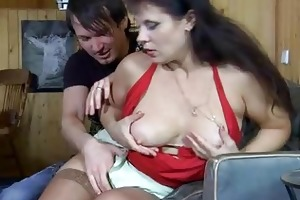 wellhung lad wetting a older beefy vagina