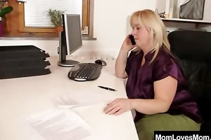 amateur-mom can housewife plus shag toys