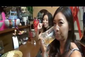 4 aged japanese whores fuck in karaoke bar