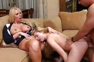 molly busted mother i suckin off her bf rod