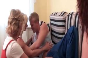 teen wang addict matures giving bj to stripper